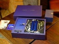 Hanya 2 Menit OPPO F5 Dashing Blue Limited Special Package Habis Terjual