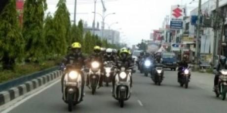 Tiba di Padang, Tim Jelajah Tangguh Buktikan Kehandalan Ban Corsa Platinum V22 dan V33