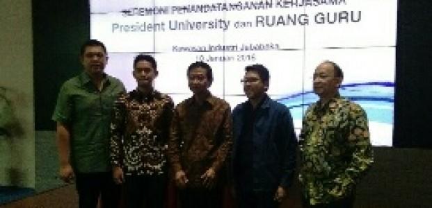 Ruangguru Jalin Kerjasama Dengan President University