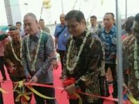 Menperin Resmikan Pabrik Yangtze Optics Indonesia (YOI) di Karawang