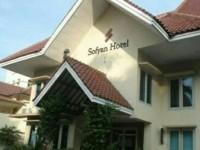 Pendiri Sofyan Hotel Raih Penghargaan Satyalancana Kepariwisataan