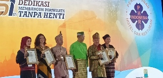 Awal 2020, 1O1 Raih Anugerah 'The Best 4 Star Hotel' se-Indonesia